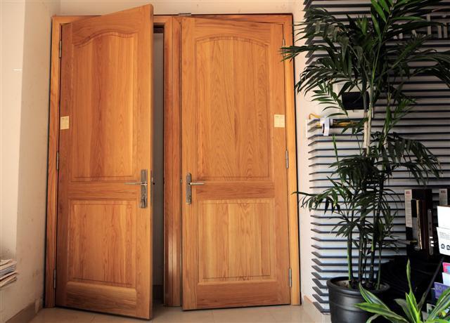 những cách chọn cửa gỗ