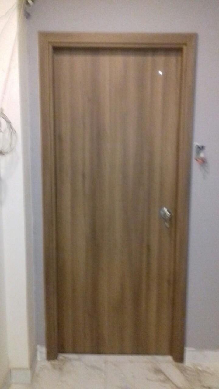 Mẫu cửa nhựa giả gỗ composite cho phòng khách