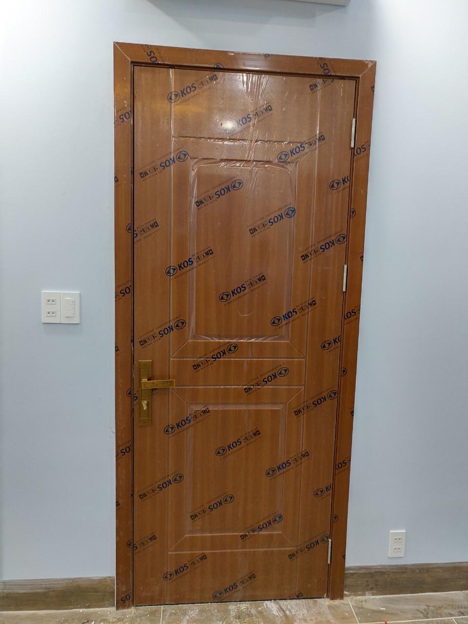 Cửa nhựa giả gỗ phòng ngủ cao cấp
