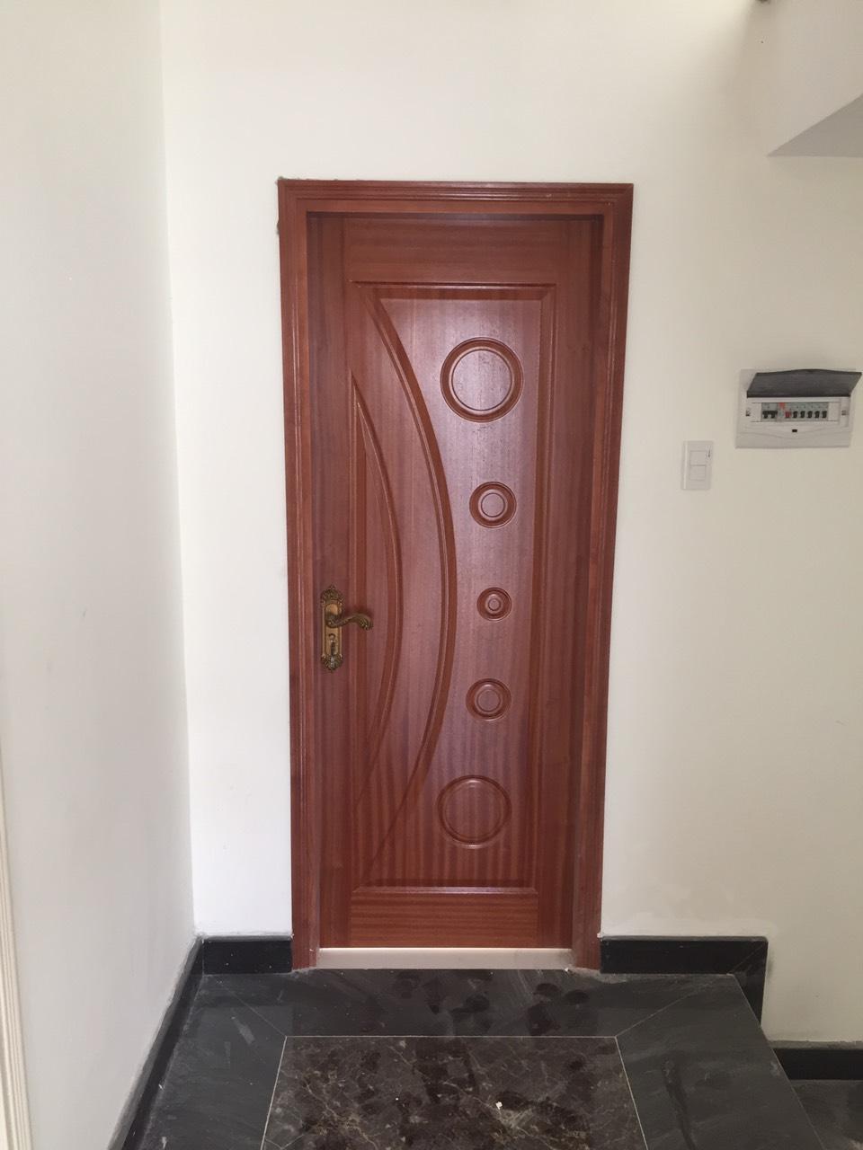 Mẫu cửa gỗ công nghiệp HDF Veneer - cửa gỗ phòng ngủ giá rẻ.