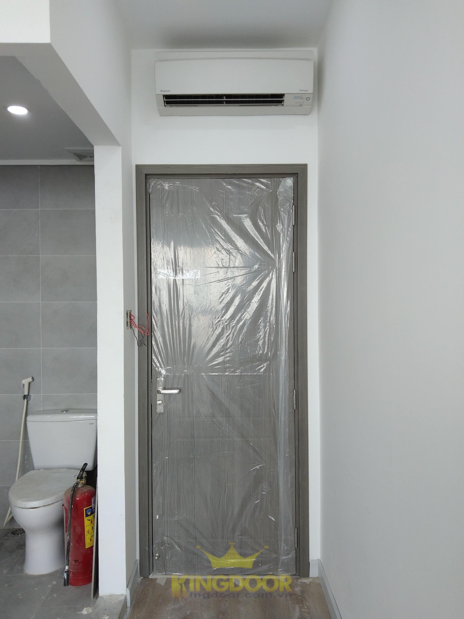 Mẫu cửa nhựa Composite lắp cho nhà vệ sinh.