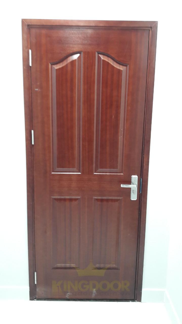 Kingdoor thi công lắp dựng hoàn thiện cửa gỗ phong ngủ giá rẻ tại Bình Tân - cửa gỗ HDF Veneer.