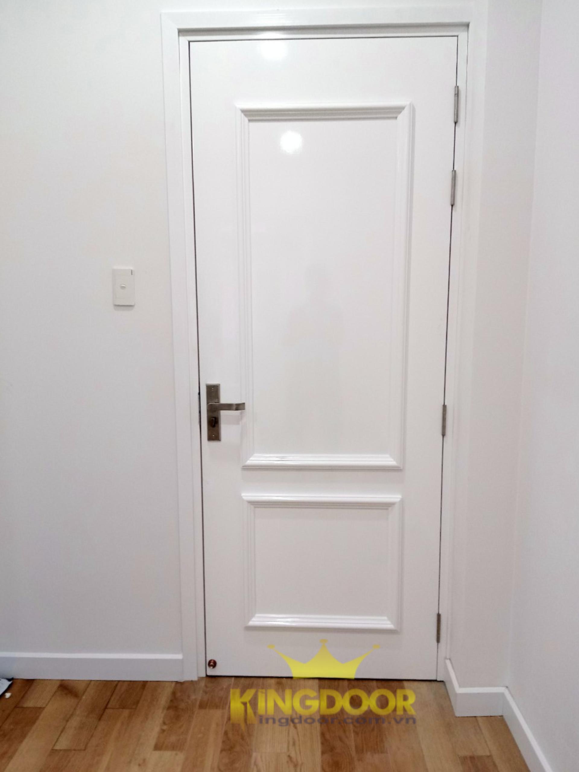 Mẫu cửa nhựa giả gỗ Composite SƠN PU chạy phào nổi tân cổ điển.
